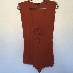 Forever 21 rust orange romper tie sleeveless M
